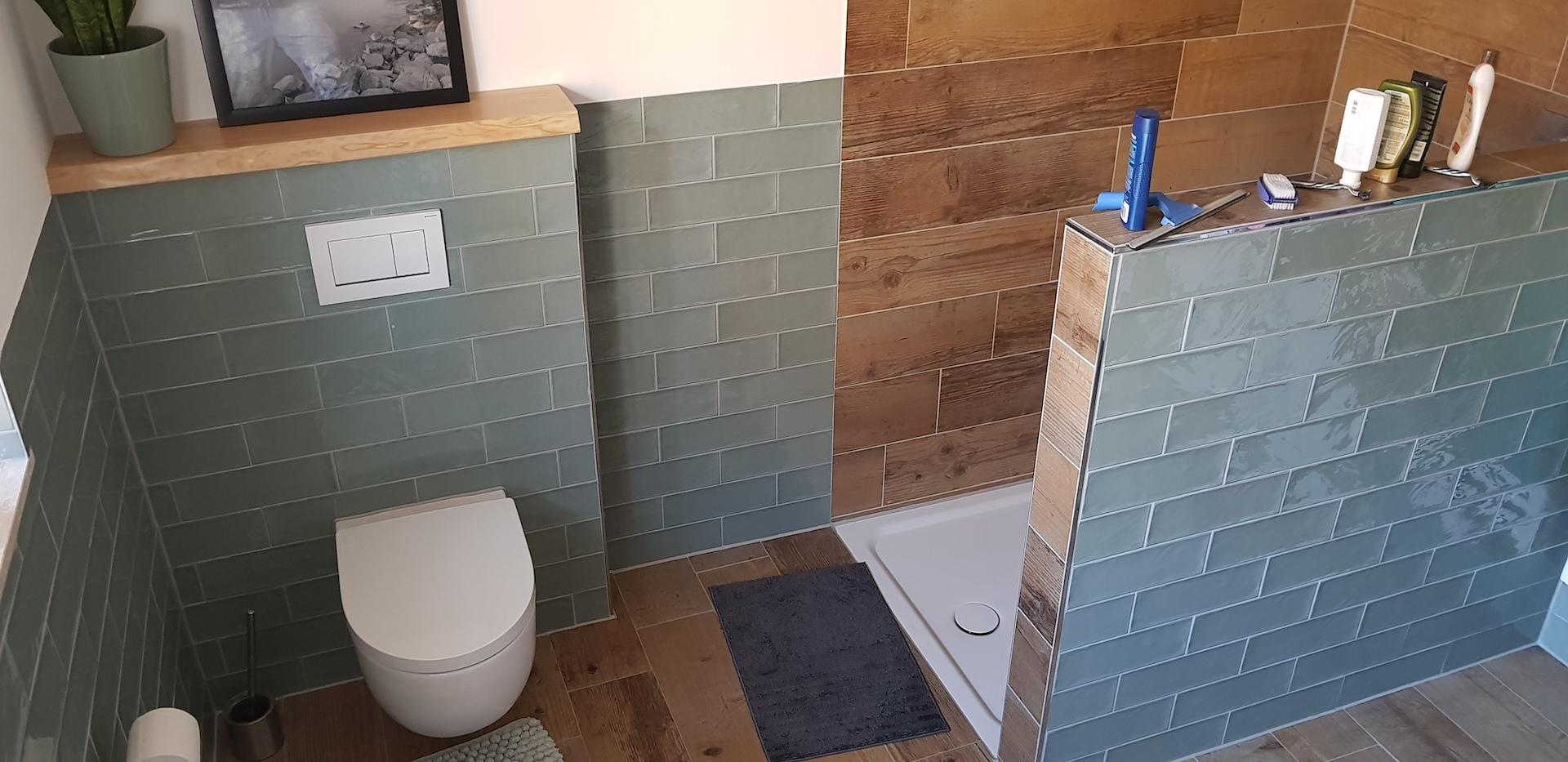 Badezimmer Holz Fliesen